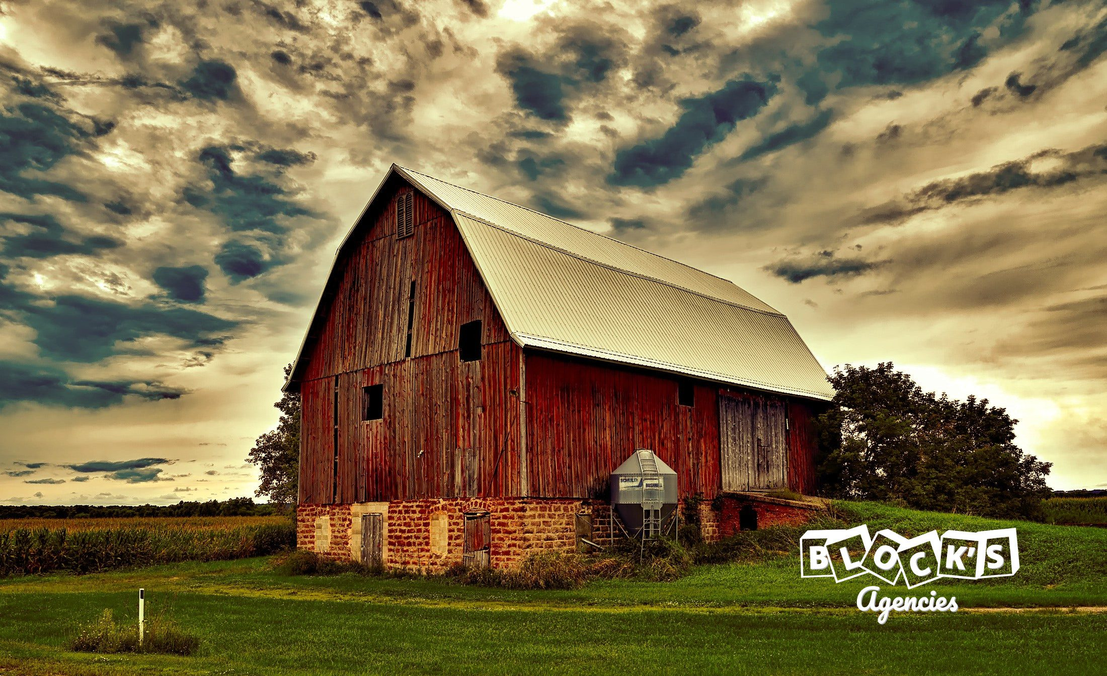 hip-roof-barn-co-insurance