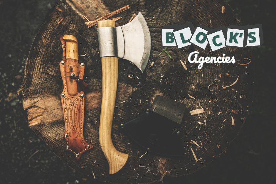 camping-axe-wood-chopping